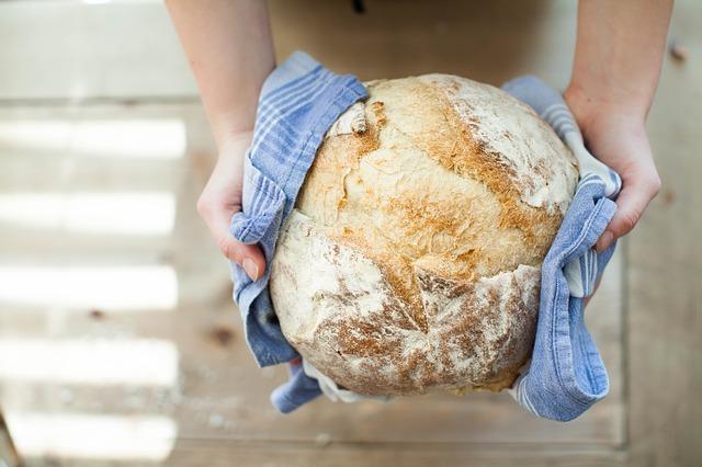 chléb v utěrce.jpg
